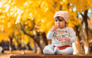 A complete guide on what and how to start baby weaning