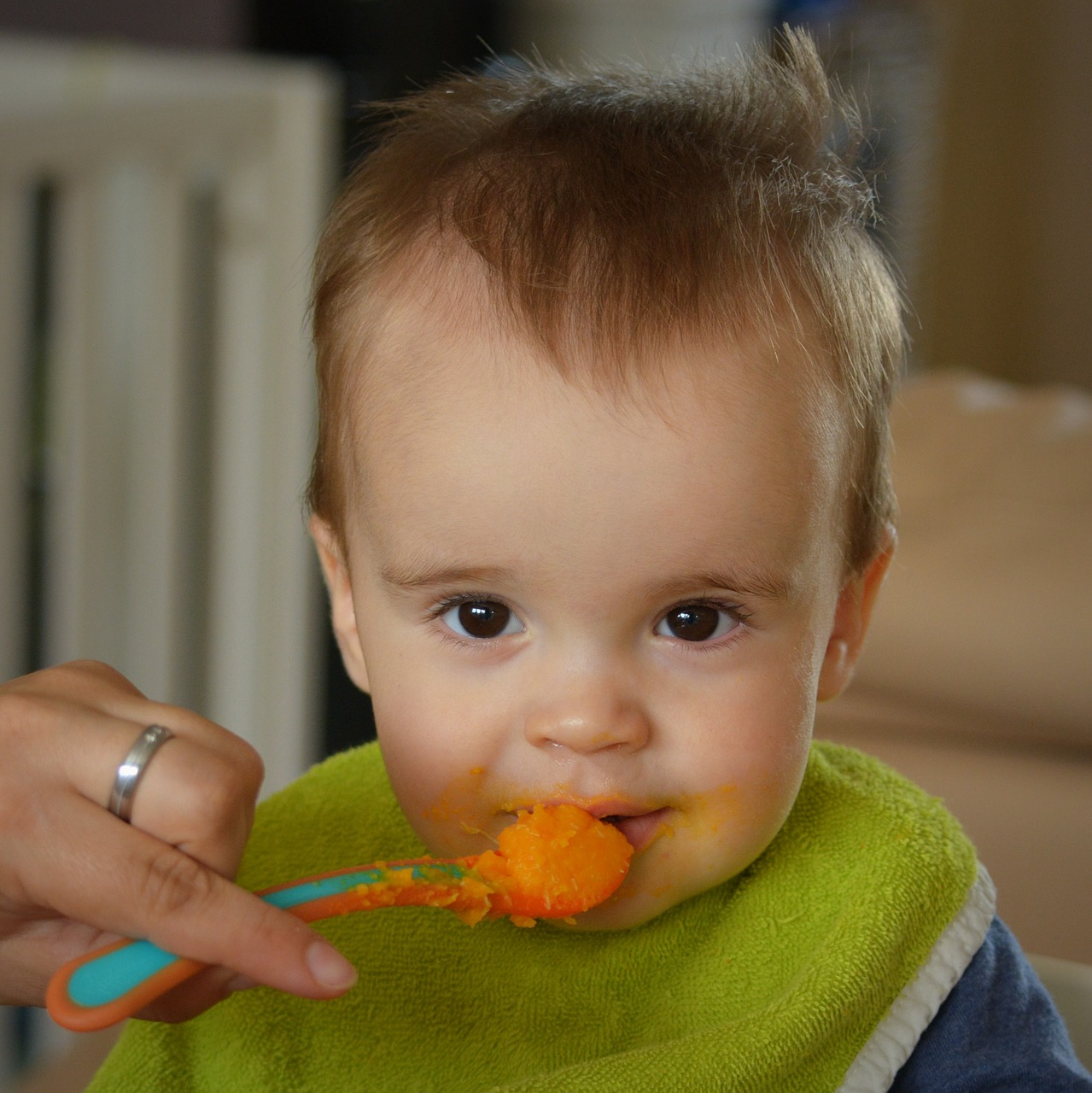 In details pros and cons of traditional weaning method